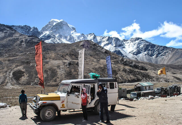 Army-Check-Post-on-the-way-to-Gurudongmar.