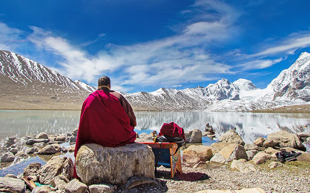 Meditating-Monk-near-Gurudongmar-Lake