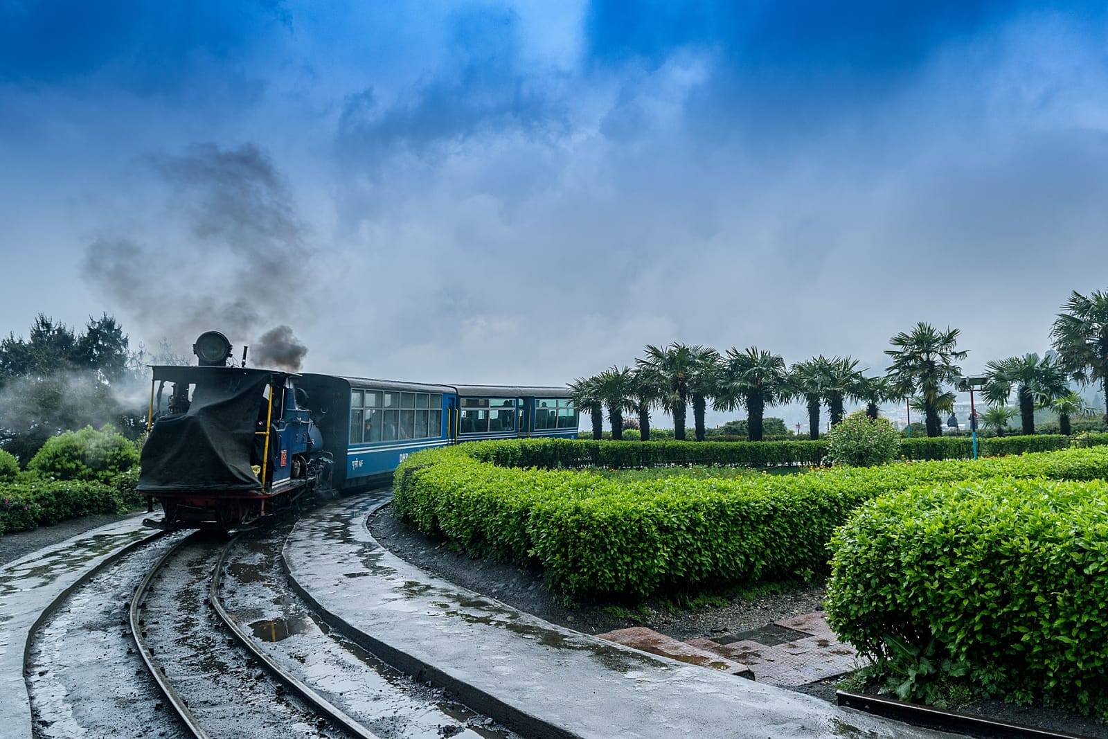 Mumbai to Darjeeling:Flights, Trains, Road-map Everything in One Place