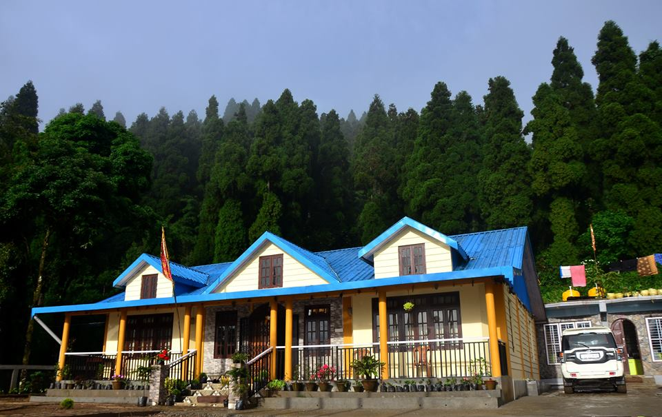 Hill-Stations-Near-Kolkata-tinchuley