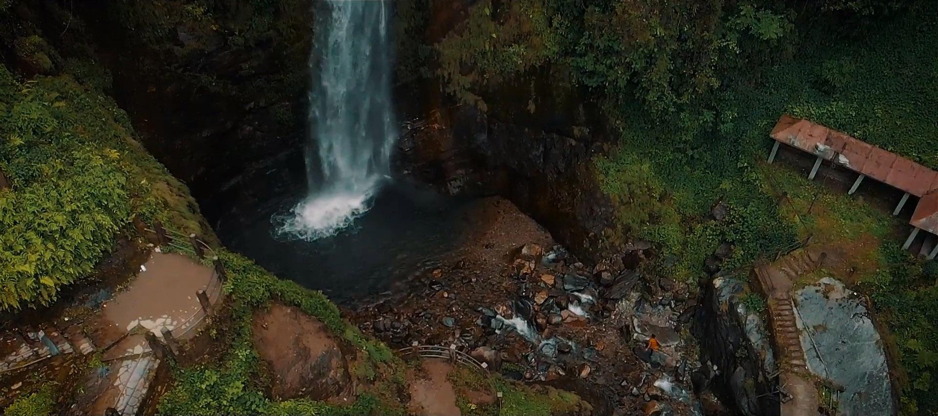 Changey-Falls-Lava-Lolegaon