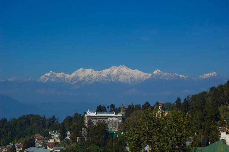 Darjeeling-in-a-clear-winter-morning