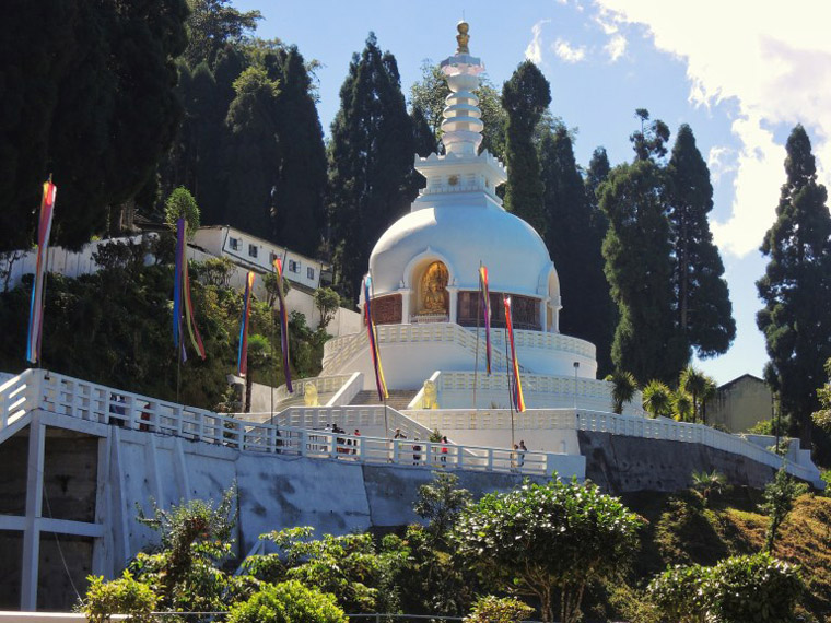 Things-to-do-in-Darjeeling-Japanese-Peace-Pagoda