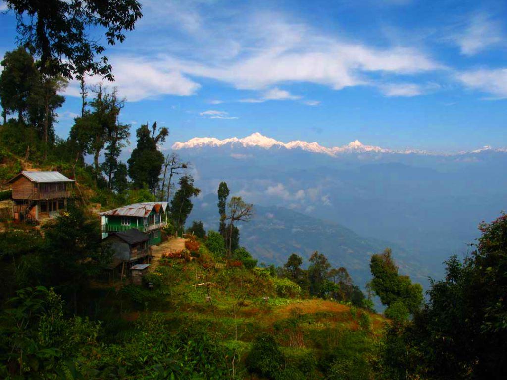 Kanchenjunga-from-Rishop