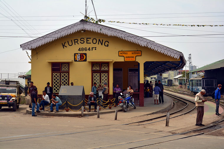 Kurseong-Railway-Station-in-Monsoon