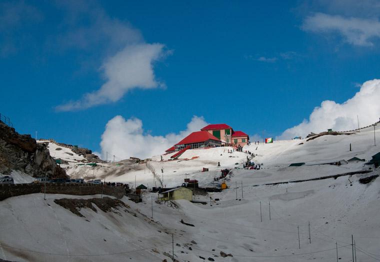 Nathu-La-in-Winters
