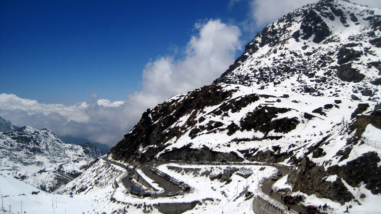 On-the-way-to-Nathula-Pass-from-Gangtok