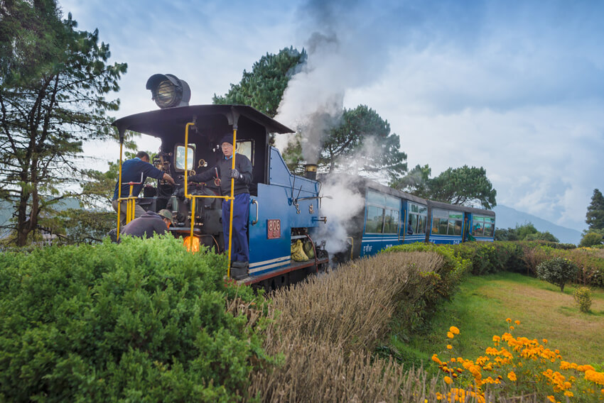 The-Darjeeling-Himalayan-Railway