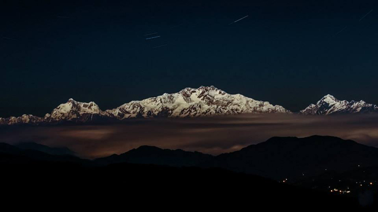 Things-to-do-in-Darjeeling-Moon-Bathed-Kanchenjunga-as-seen-from-Sandakphu