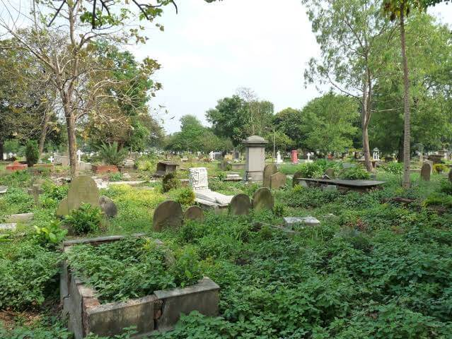 Lower circular road cemetery